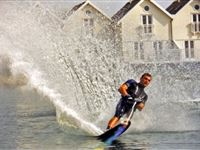 Introductory Waterskiing